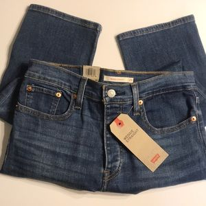 Levi's Wedgie Straight blue jeans. Size 8. 29
